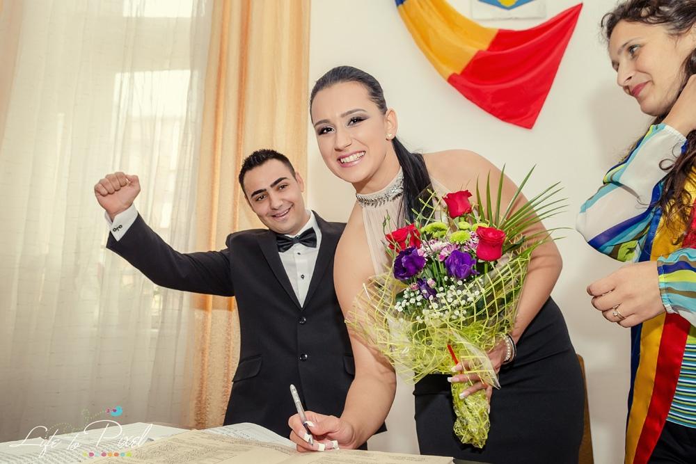 Fotografie de nunta - Cununie Civila - Campulung - Oana si Claudiu